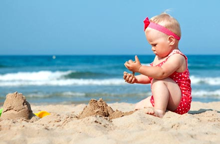 17 Baby Beach Essentials Every Parent Should Have