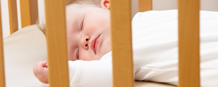 7 Tips to Get Baby to Sleep in a Crib (And Not with You)