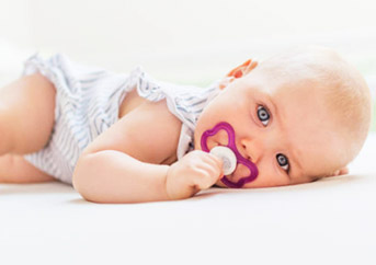 Best Baby Pacifiers of 2021: Complete Reviews & Comparison