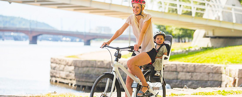 WHEN CAN A BABY RIDE IN A BIKE SEAT? A COMPREHENSIVE GUIDELINE FOR TODDLERS, INFANTS & THEIR PARENTS