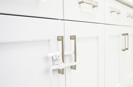 How to Baby Proof Cabinets Avoiding Drilling